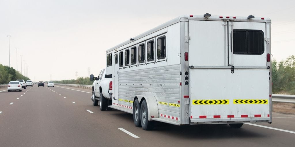 Best Horse Trailer Brands – A Look At 12 Options