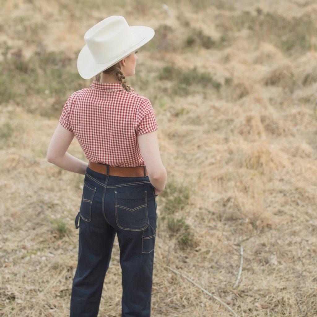 girl in western riding attire